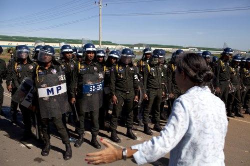 Anti-riot police at Sabrina factory-2013