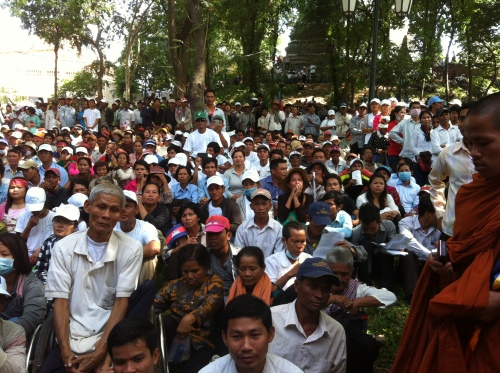 50,000 workers and indigenous peoples listen to Sam Rainsy at Wat Phnom-Human Rights Day 2013