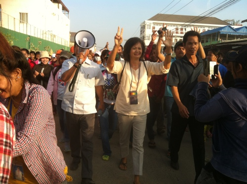 Mu Sochua joined striking workers-Phnom Penh